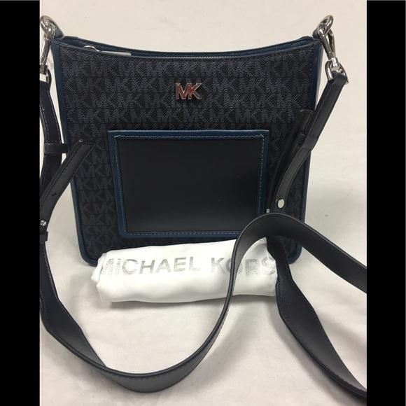 c7b753cac201 Michael Kors Bags | Gloria Pocket Swing Pack Admiral | Poshmark